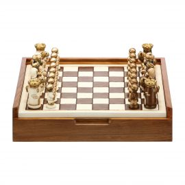 Ceramic chess set with wood box