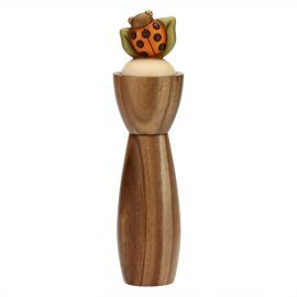 Country salt/pepper mill with lucky ladybird