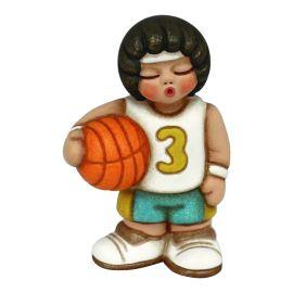 Bimbo giocatore di basket piccolo