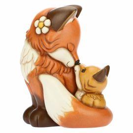 Maxi fox with cub