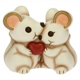 Couple of mice in love
