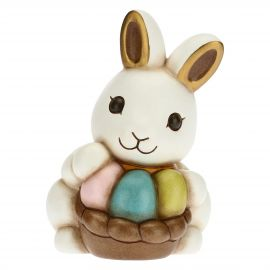 Hase Joy mit bunten Eiern