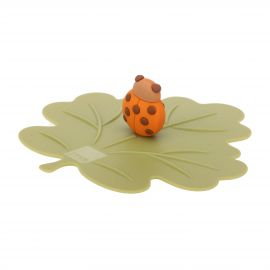 Airtight silicone mug cover in shape of autumn leaf with lucky ladybird