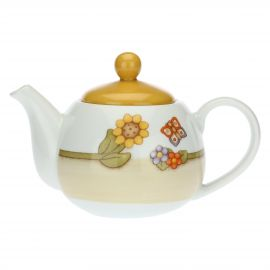 Country porcelain teapot
