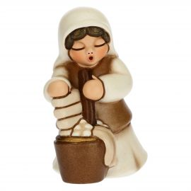 Washerwoman for the Traditional Nativity Scene, white version